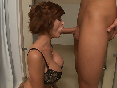 Joslyn James gets likes it big