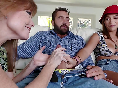 Top cock sharing along Karter Foxxx and Darla Crane
