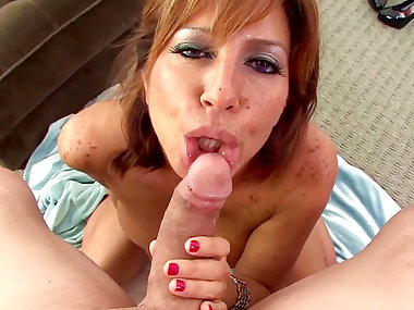 Mom Tara Holiday is sucking a nice pole