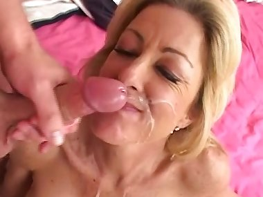 Lexi Carrington is sucking this wide cock