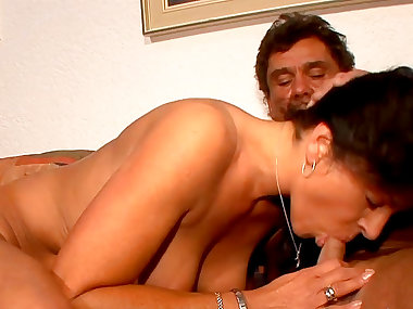 Mature Heike H fucks with her tattooed husband