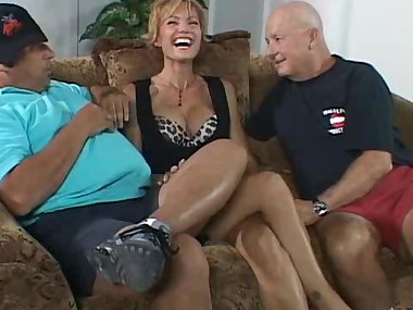 Sexy mom is fucking and sucking hard