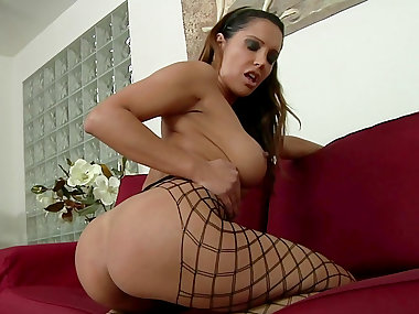 Mom Francesca Le stretches her anal