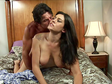 Tommy Gunn is fucking sexy beauty Raylene