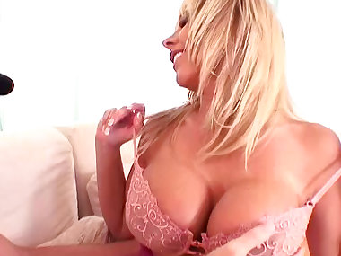 Blonde whore fuck in her juicy anal hole