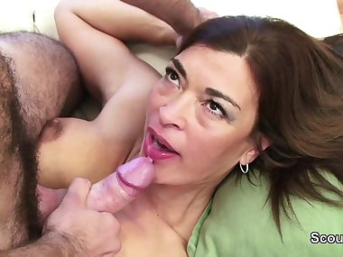 Young Man Caught MILF Step-Mom and Seduce her to Fuck