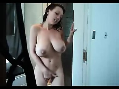 Catharine from kinkyandlonelycom - Mom taking shower