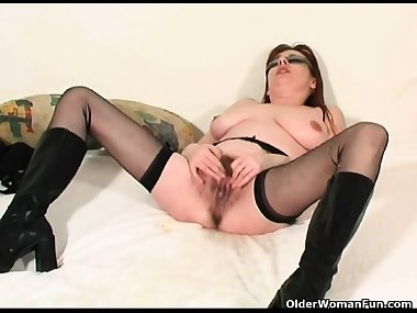 Mature soccer mom squirting her pu Arletha from onmilfcom