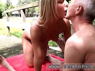 Teen goes wild on cock and hot young mom anal Paul is gettin