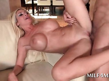 Blonde hot mom laid on her back and deep banged