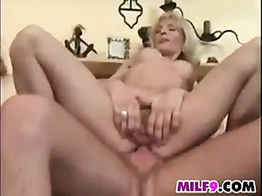 Mature Mom Getting Double Penetrated