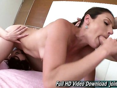 Samantha Ryan And Jenna J Ross mom teaches step daughter