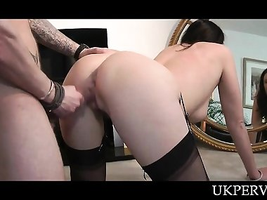 Sex starved UK hot mom banged doggy style in the mirror