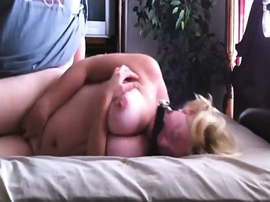 This Mature Mom Likes Hard Fuck