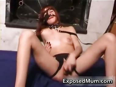 Kinky mom pussy drilled by a dildo part6
