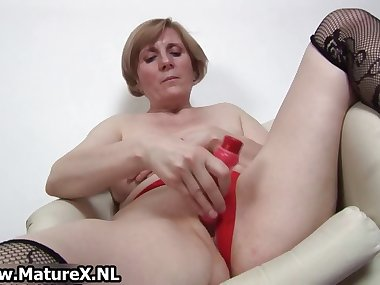Horny old mom is penetrating part6