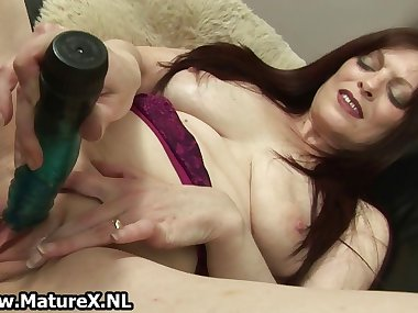 Raven mature mom fucking her own tight part4
