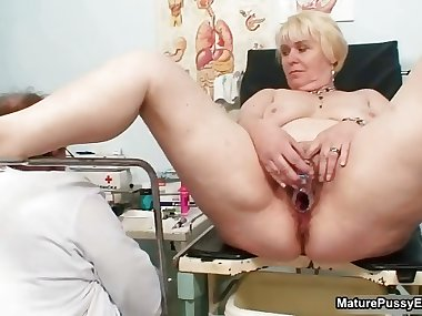 Mature mom pussy inspections part5