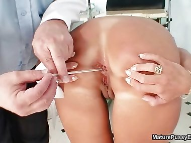 Mature mom gets her tight part4