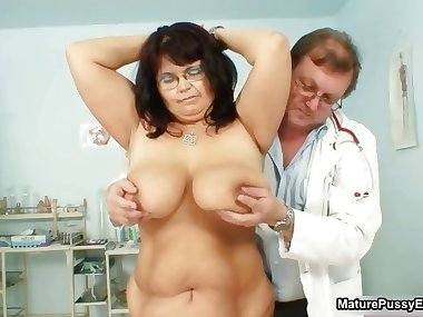 Fat mature mom gets her big part5