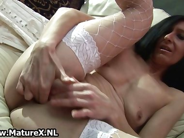 Skinny horny mom in white lingerie part3