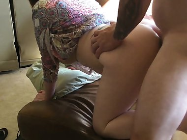Date this horny mom on sexymilfdate.net