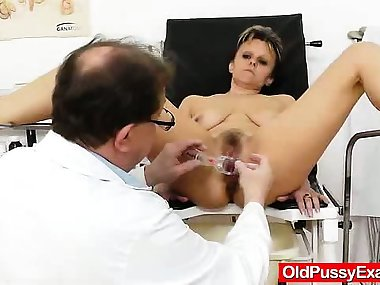 Haired amateur-mom finger checked by dirty..