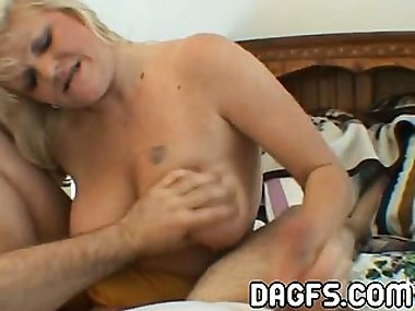 Fugly and unpicturesque mom drills a cock for only 5 dollars