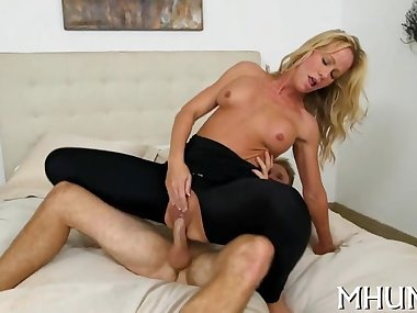 Levi Cash finds another MILF to bang his brains out