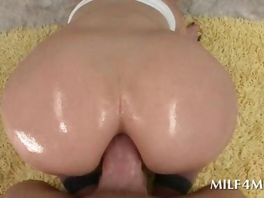 Wet mommy likes it hard in the ass