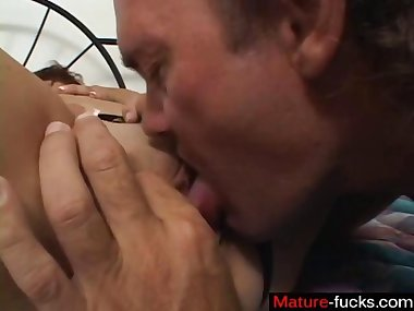 Ripe slut gets her ass fucked for the first time