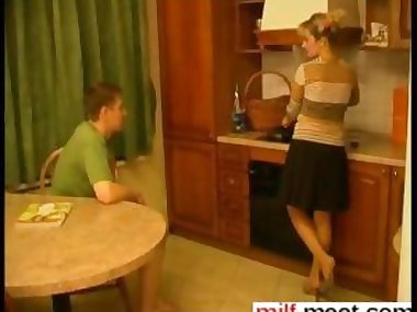 some real amateur fucking in the Russian apartment