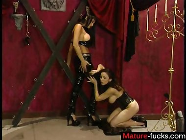hot busty slut has a bdsm experience to the hilt