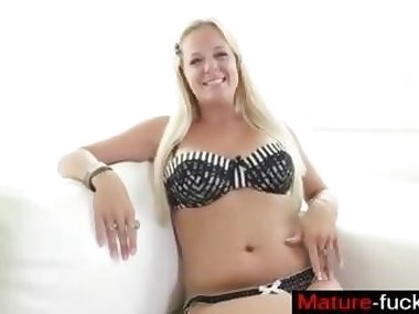 blonde slut has a sweet time as she gets casted