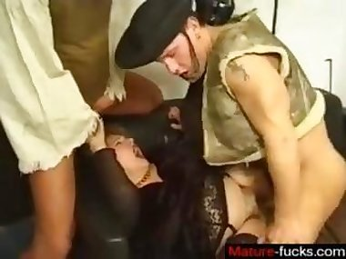 Mature slut gets plowed by two pirates