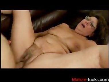 Find her on MATURE-FUCKS.COM - how to pley with a granny hairy pussy