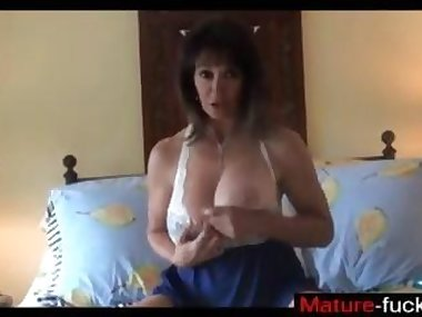 hot mature lass down to have fun with a dildo
