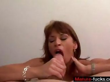 Meet Matures on MATURE-FUCKS.COM - SEXY FITNESS MILF DEVON BLOWJOB POV